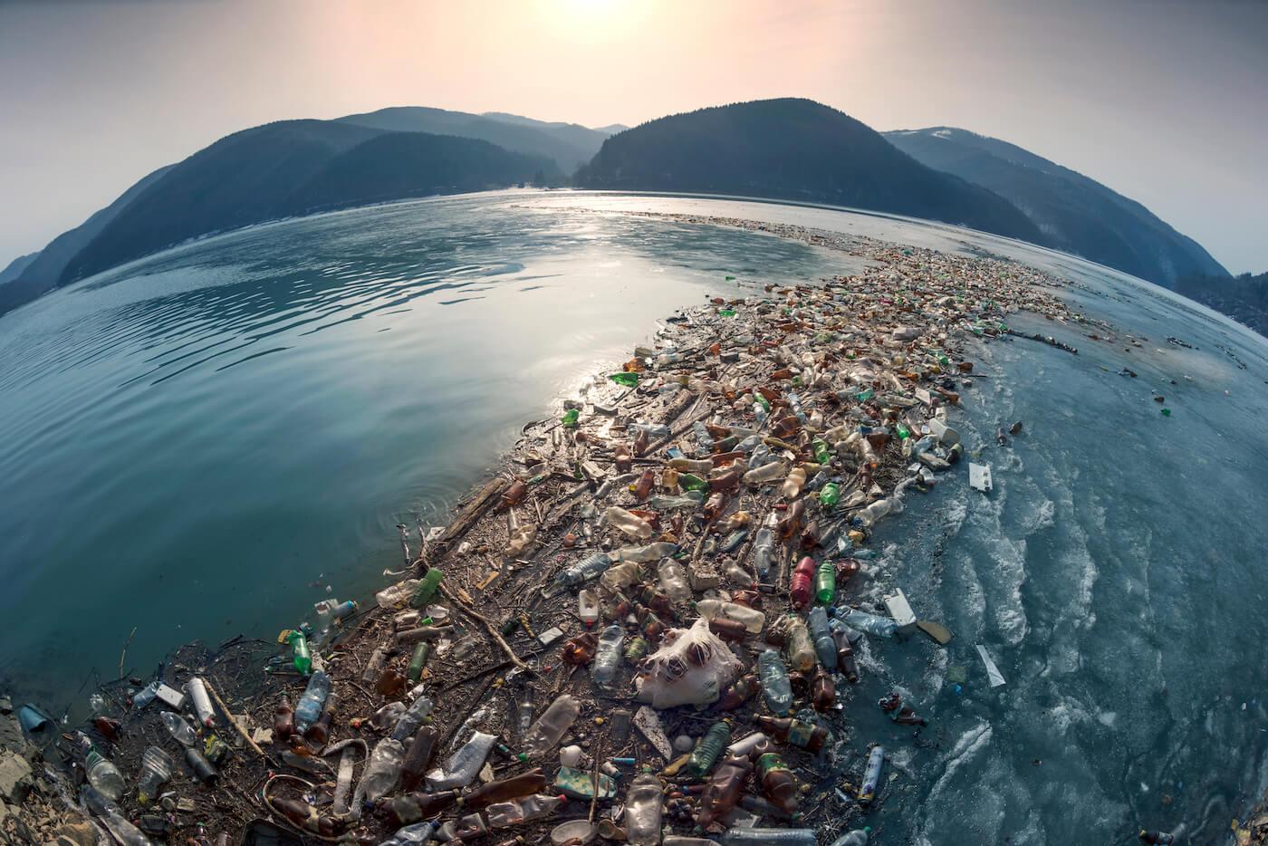 増え続ける海洋ごみ】マイクロプラスチックが人体に与える影響は?東京 ...